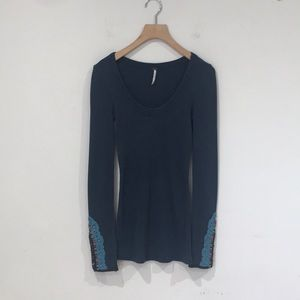 FREE PEOPLE THERMAL SHIRT WITH EMBROIDERED SLEEVES